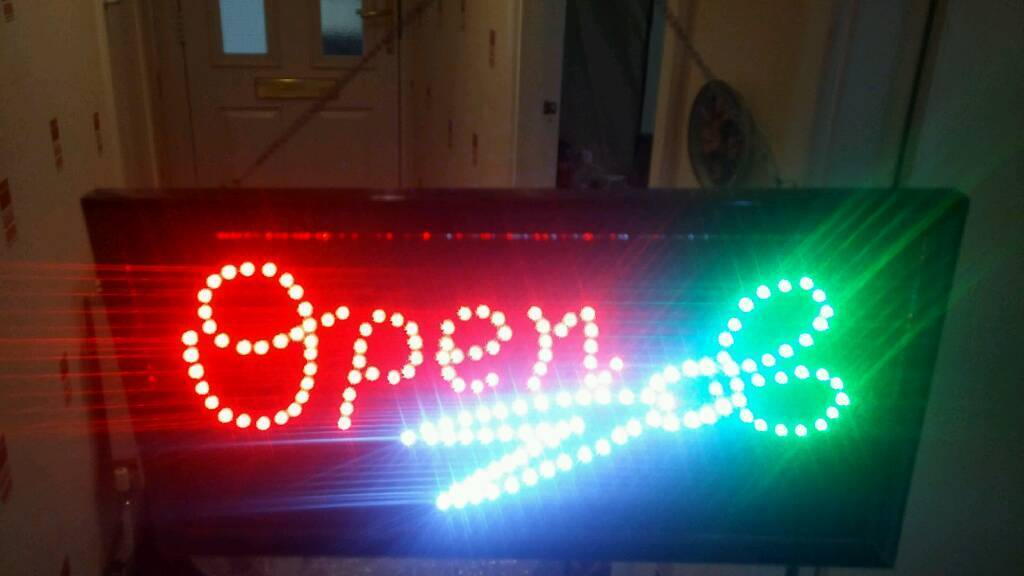 Super Bright LED Open Barber With Scissor Sign for Shop Fronts/windows