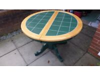1.1m round table, extendable for 6 places, very sturdy table.