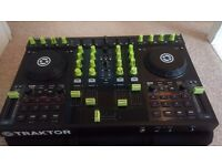 Traktor Kontrol S4 with carry case - Great condition