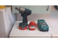 makita 14.4 impact drill with 2 very good batteries