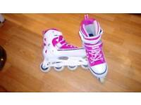 Roller blades adjustable from size 3-6