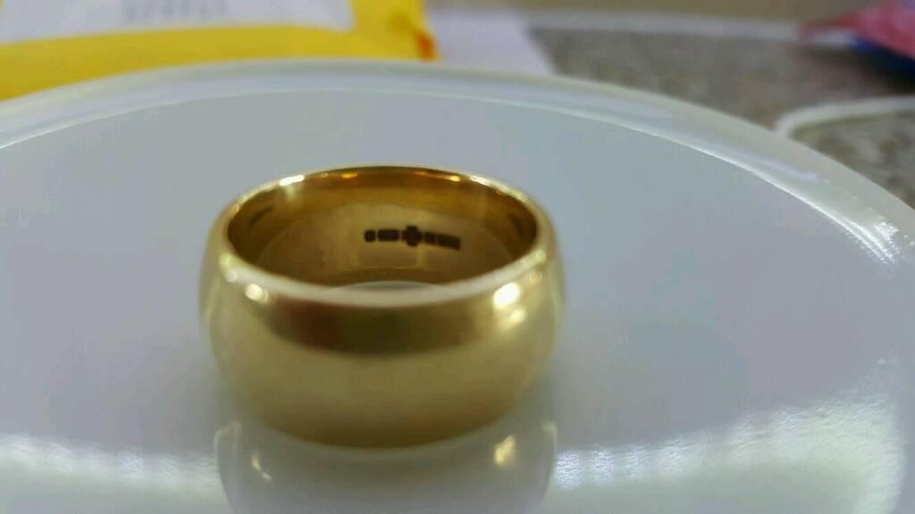 Mens Gold wedding ring 10mm wide 13g Weight in Pontypool