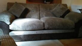 three seeter sofa almost new dont have space selling