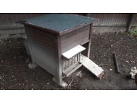 Chicken Coop with 2 Chicken and Accessories