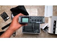 Zoom F4 - Portable 4-track Field Recorder with official case