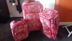 Mint condition Once used suitcase set