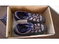 Columbia Waterproof Walking Shoes/Trainers size 7