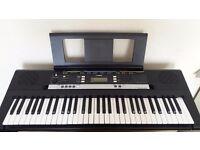 Yamaha PSR - E243 keyboard