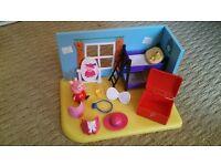 Peppa Pig Toy - Dress Up Peppa