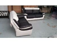 ScS LEO BLACK & WHITE LEATHER 3 + 2 SEATER SOFAS BARGAIN £620 **Can Deliver** Collect Kirkby NG17