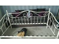 Girls single day bed