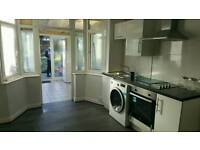 Large Bedsit Studio or Double room with its own kitchen to rent close to airport £600 pm