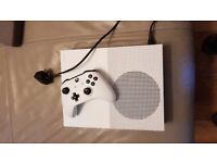 XBOX ONE S 500GB CONSOLE WITH controller, power cable, etc all boxed
