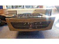 2007 MERCEDES E CLASS E280 CDI DASHBOARD CD CHANGER WITH HAZARD+ESP+LOCK BUTTON GUJ £100