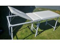 Treatment/massage table