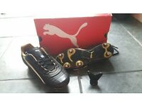 Puma rugby / football boots size 2. Worn once.