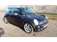 MINI COOPER 1.6, 2005 55, BLACK,68000 MILES, MOT DEC 2017 , 5 SPEED,CD PLAYER, SERVICE HISTORY