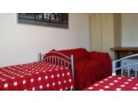 TWIN ROOM IN BETHNAL GREEN