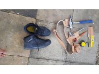 scaffold belt frog tools set/ safety boots / only used few days at job