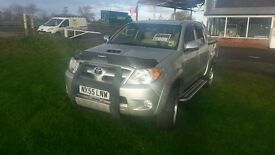 Toyota hilux 3.0 D4D Automatic ' INTIMIDATOR'