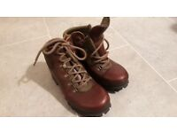 Women's Brasher Leather Waterproof Boots for Walking or Hiking size 6 in very good condition