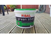 Job lot of bal green star 15kg white tile adhesive for walls