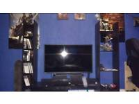 Toshiba 40L2433D TV, like new with box