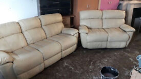 Bargain Clearance MUST GO! Reduced 3+2 Geniune Italian Leather Recliner Sofas, Smoke & Pet Free Home