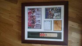 Cricket ashes 2005 signed and framed bat presentation.
