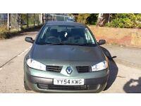 Renault Megane 1.4 Petrol 5 Door Manual in Green low miles