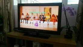 Samsung 32 LCD full HD TV