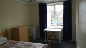 Double bedroom in Abbey Road NW6 4SP. £790 PCM. All Inclusive. Furnished.