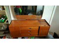 Solid wood unit with mirror and drawers