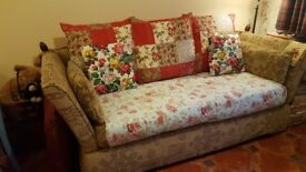 KNOLE / DROP-ARM 3 Seater Sofa in Excellent Condition