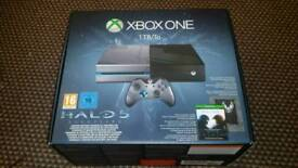 REDUCED FOR QUICK SALE - XBox One Limited Halo 5 Edition in box with controller X 1