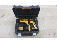 DeWalt DCF620M2 18v 4.0Ah XR Brushless Drywall Screwgun - 2x 2.0Ah Batteries
