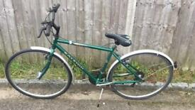 Raleigh Pioneer Gents Hybrid. Very good condition. Free Lock/Lights/Delivery