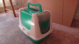 Cat litter box with lid and flap, liners and filters