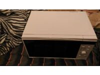 microwave oven for sale in good condition