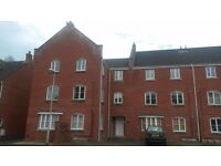 Double room in a 2 bedroomed fully furnished purpose built flat for rent