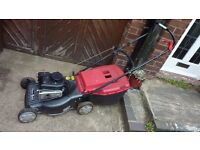 MOUNTFIELD SELF DRIVE PETROL LAWNMOWER WITH BRIGGS & STRATTON ENGINE.