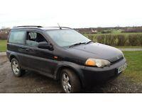 honda hrv 2.0 petrol 2000 registered m.o.t November 74k miles