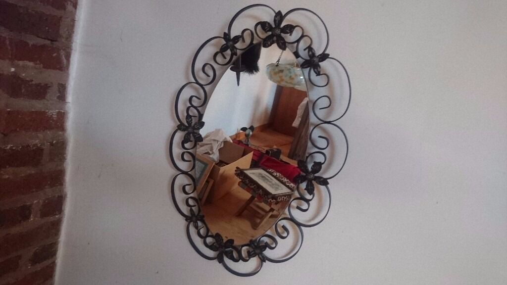 VINTAGE 1950S ORNATE OVAL WROUGHT IRON FRAMED MIRROR RUSTIC HOME DECOR DISPLAY VGC 59 X 40 CMS