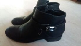 Ladies Womens Black Anckle Boots size 6/39