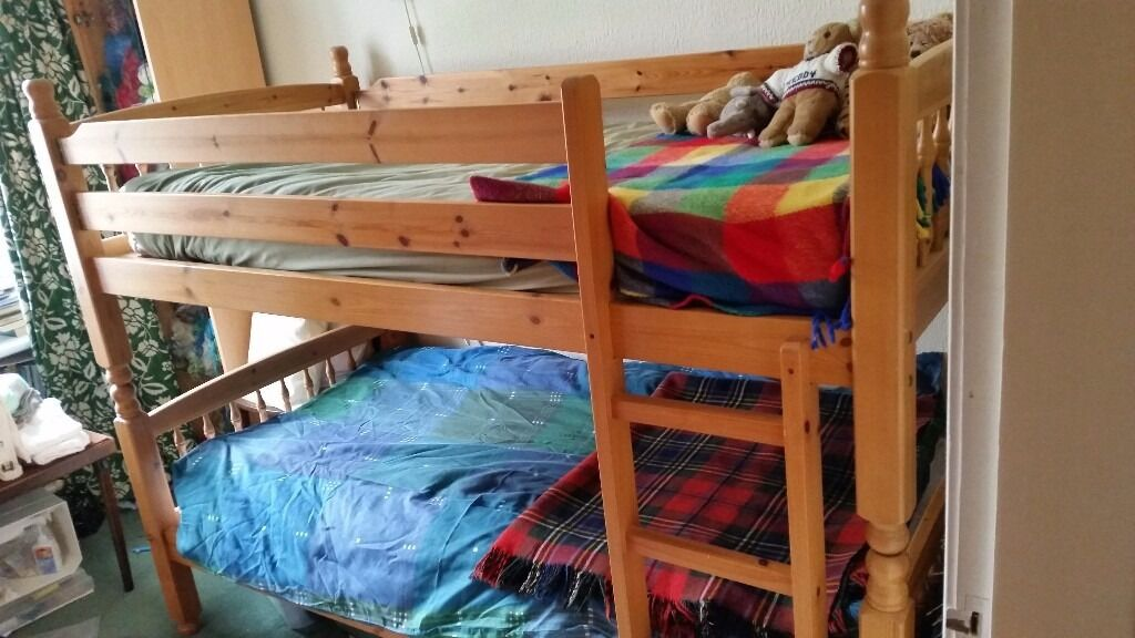 Solid Wood Good Quality Sturdy Single Bunk Beds Guard Rail And