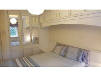Harborne - Large double room to let.
