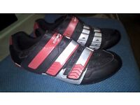 Brand New Mens size 9 Crane cycling shoes