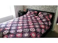 Kingsize duvet cover & 4 pillow cases