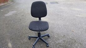 Basic Office Chair FREE DELIVERY (03460)