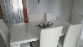 White dining table & 6 chairs